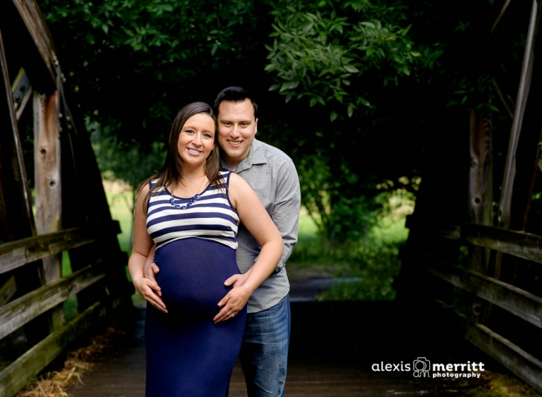 Seattle Maternity Photographer | Pregnancy portraits - couple on bridge