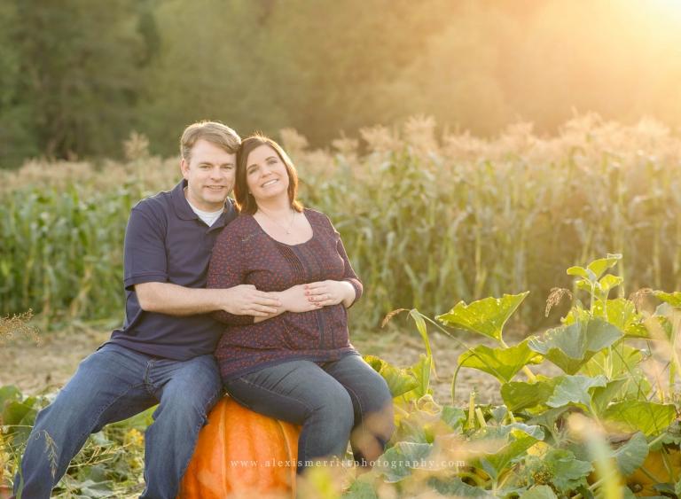 Bob's Corn Farm | Seattle Maternity Photographer