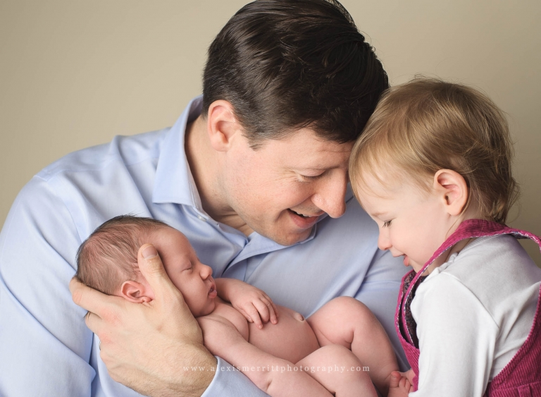 Dad, baby, sister   Seattle Family Photographer
