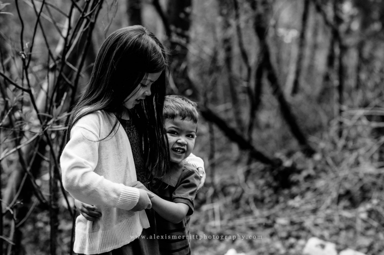 Siblings at Scriber Lake Park | Seattle Family Photographer