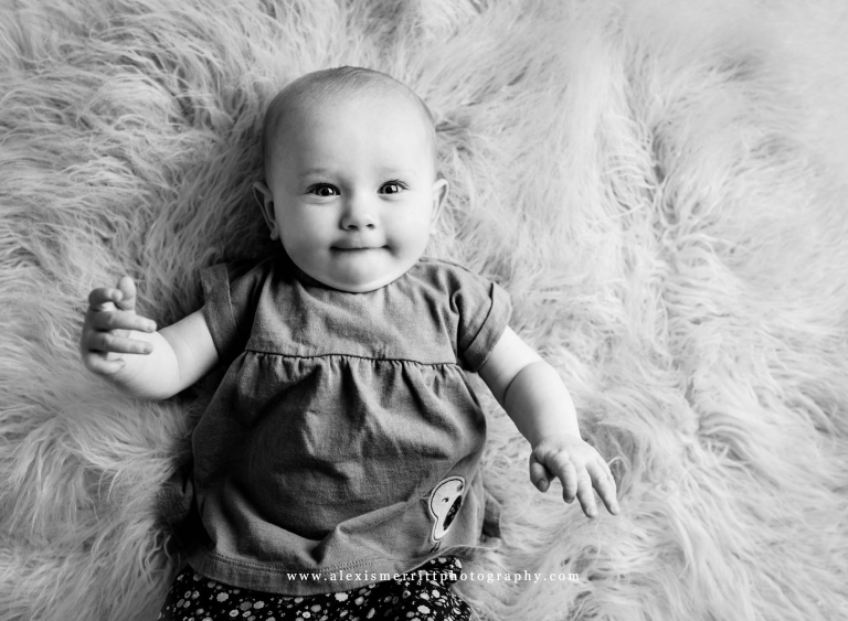 6 month sitter | Bothell baby photography