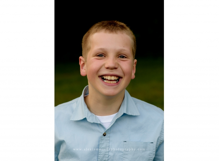 Youn boy smiling | Lynnwood Family Photographer