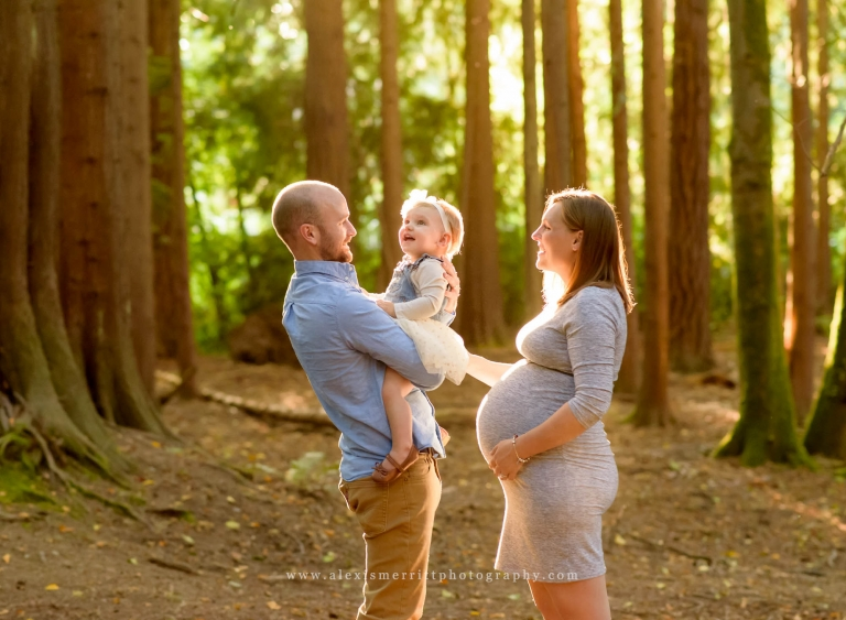 Family Maternity Mini Session - McCollum Park | Bothell Photographer